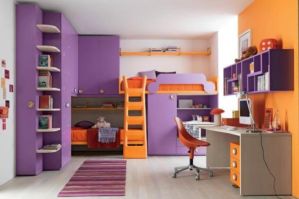Для создания необычного интерьера отлично подойдет сочетание оранжевого и фиолетового