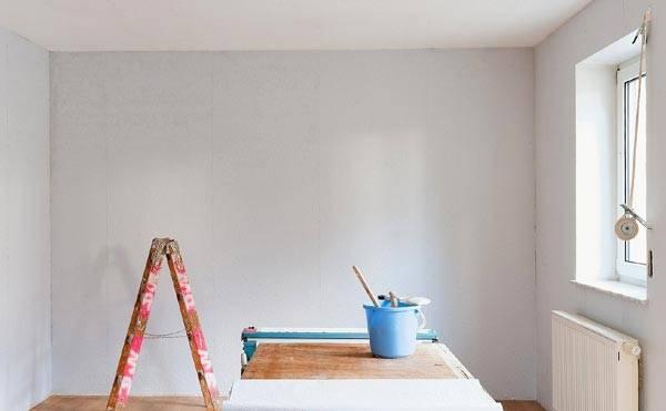 Дождитесь полного высыхания стен перед покраской