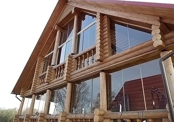 Отделочные материалы для фасадов частных домов - стекло