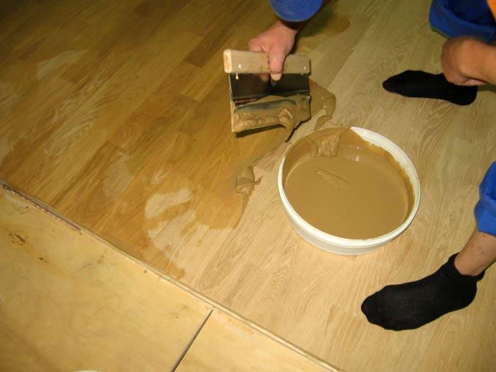 Если постараться сэкономить, то через 2-3 года заделанная поверхность испортится и потрескается