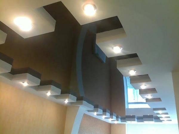 Вариант размещения светодиодных светильников на каркасе натяжного потолка