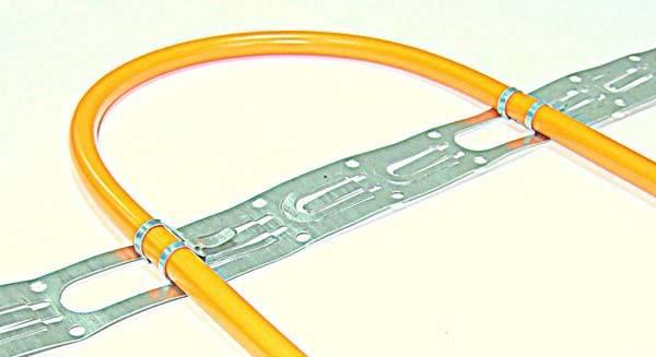 Закрепление кабеля монтажной лентой