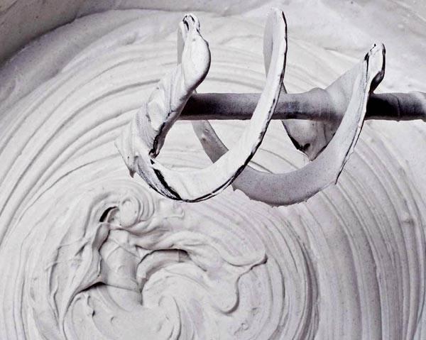Подготовка смеси к использованию – перемешивание при помощи миксера