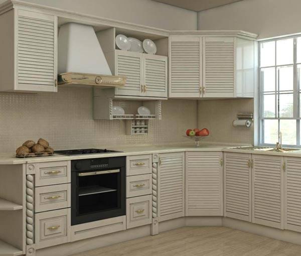 Кухонный гарнитур с фасадом из жалюзийных дверей