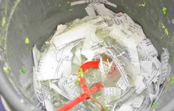 Размягченная в воде бумага