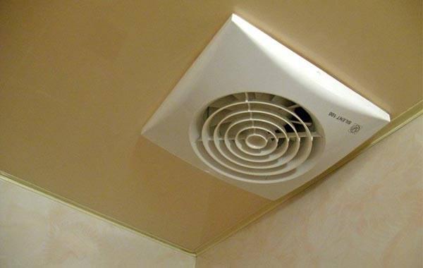 При некачественной естественной необходимо организовать принудительную вентиляцию