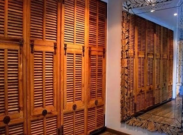 Жалюзийные двери в винтажном стиле