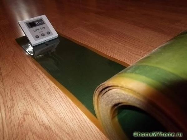 Инфракрасный теплый плинтус требует использования терморегулятора