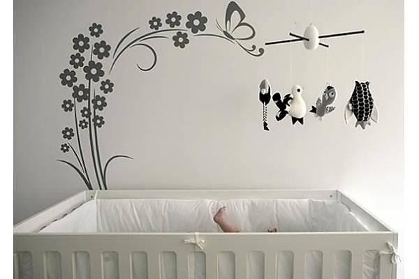 Оформление над детской кроваткой