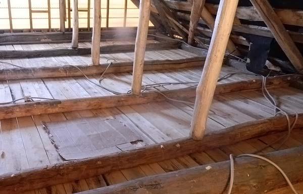 Потолок со стороны чердака готов к проведению теплоизоляционных работ
