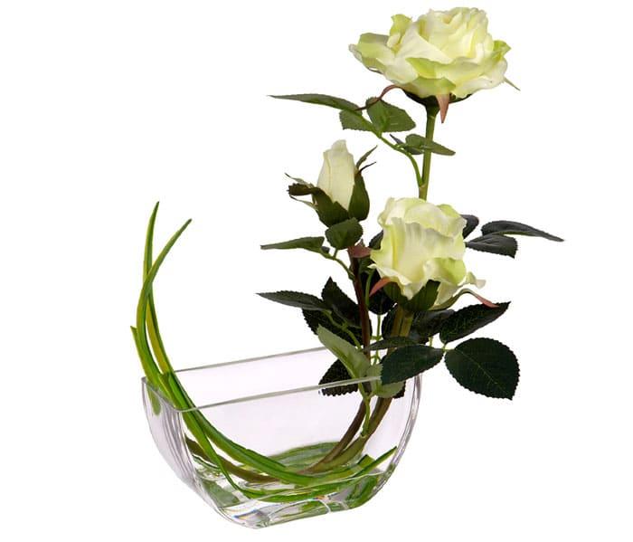 Любой цветочек в оригинальной вазе будет восприниматься по-особенному