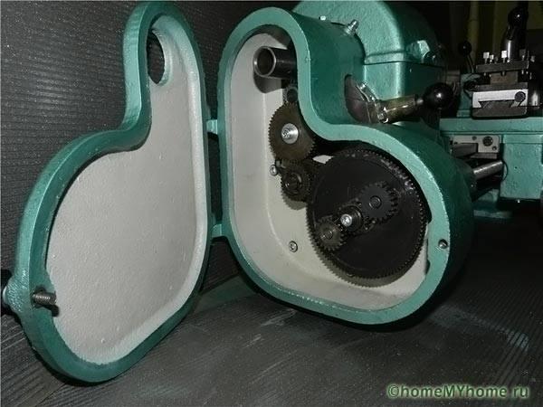 Передача вращения в настольном токарном станке по металлу