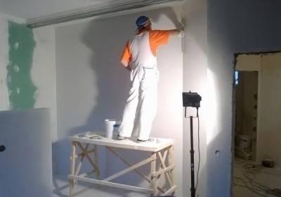 шпаклевка стен под обои своими руками видео