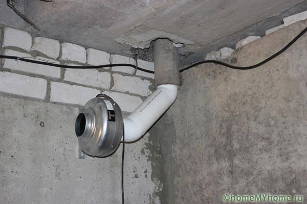 Вентилятор на вытяжке
