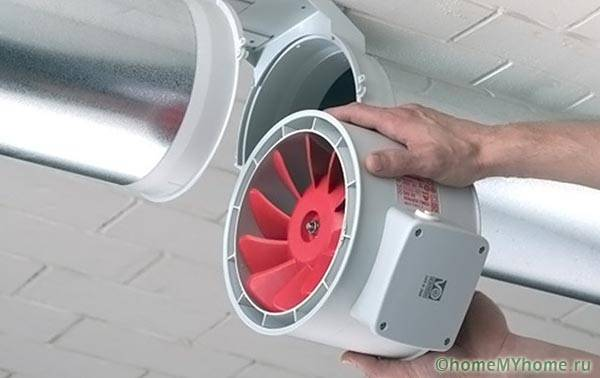 Осевой вентилятор, встраиваемый в воздуховод