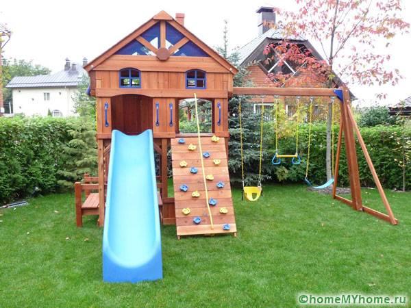 Многофункциональная детская площадка с использованием некоторых готовых элементов