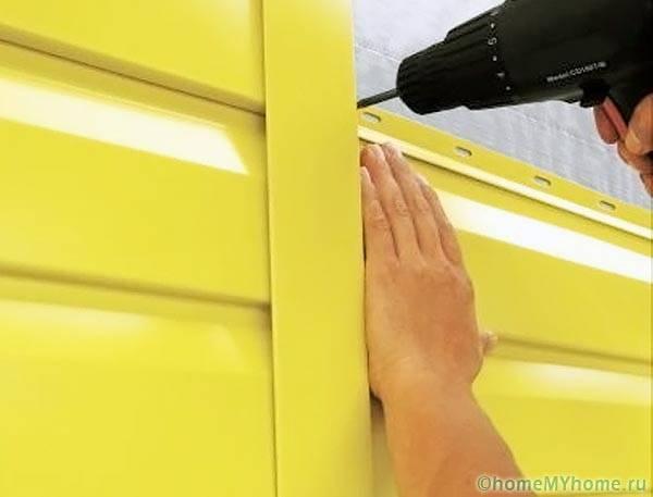 Крепление панелей металлосайдинга