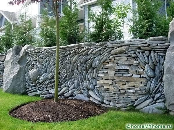 Удивительная комбинация из камня