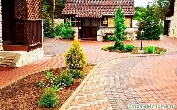 Тротуарная плитка в частном дворе