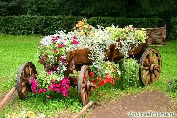 Роскошная цветочная конструкция