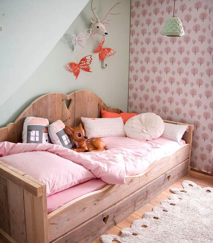 К деревянным полам подходит мебель из дерева