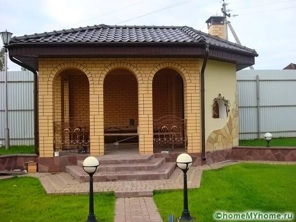 Столовая из кирпича – долговечное строение, не требующее особого ухода