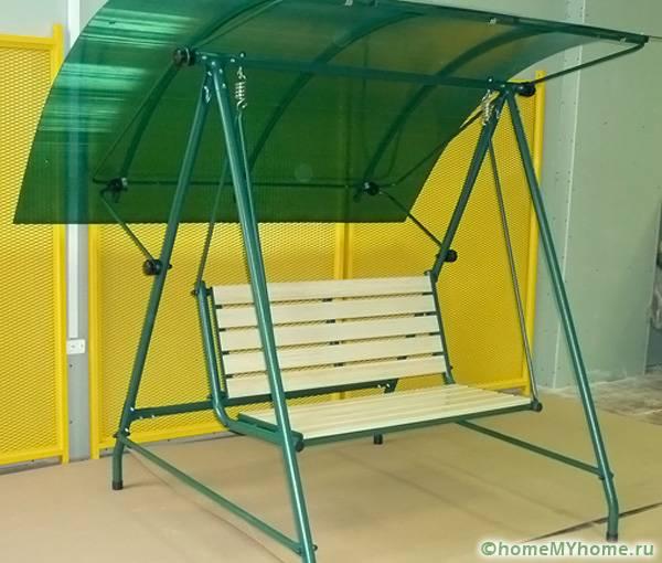Крышу можно изготовить из поликарбоната
