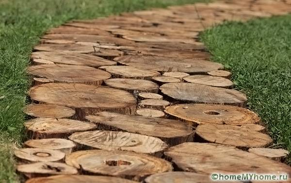 Мощение деревом применяют с древнейших времен