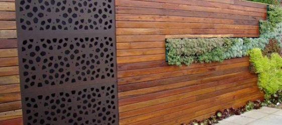 Заборы из дерева: фото