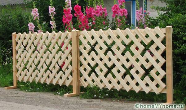 Мини-забор с оригинальным узором