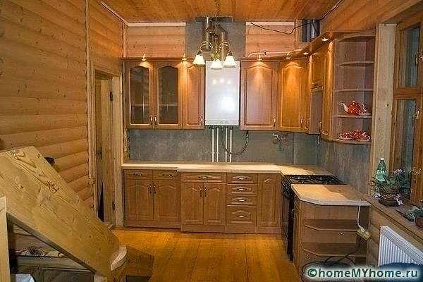 Небольшая уютная кухня