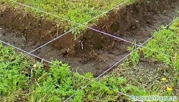 При выполнении разметки может использоваться веревка или проволока
