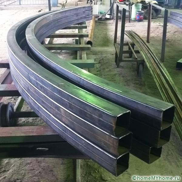 Профильные трубы для изготовления скатной или арочной конструкции