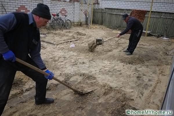 Укладка слоев песка