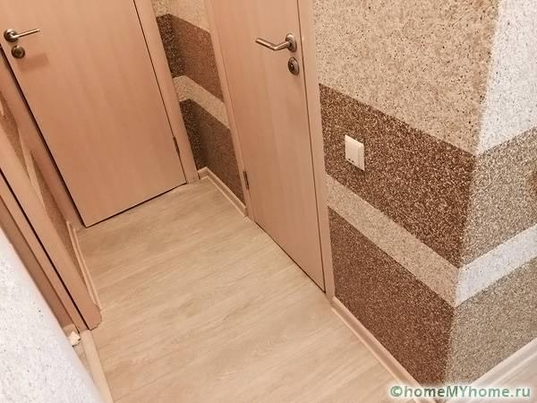 Небывалую атмосферу уюта позволяют создать жидкие обои на стенах