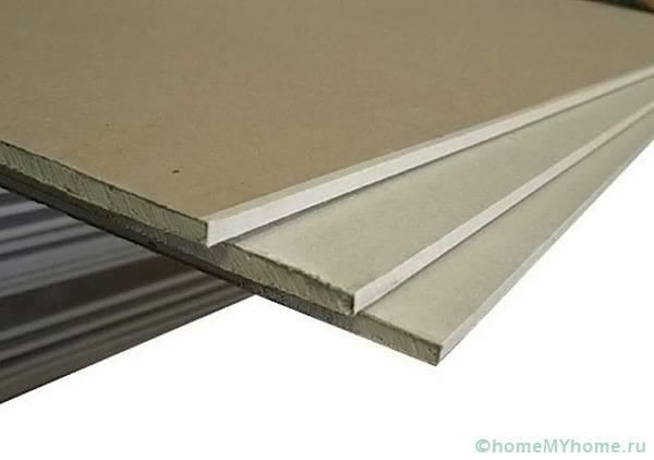 Потолочный гипсокартон гораздо более легкий и тонкий, чем стеновой
