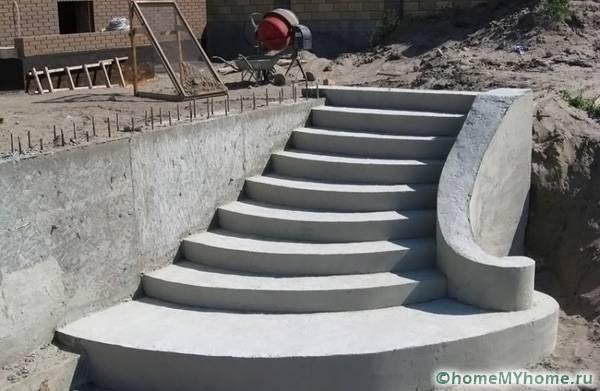 Сооружение из бетона может иметь любую заданную форму