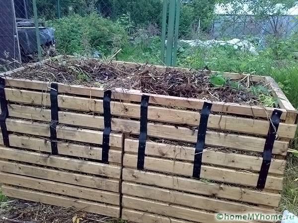 Емкость для компоста не обязательно должна размещаться в яме