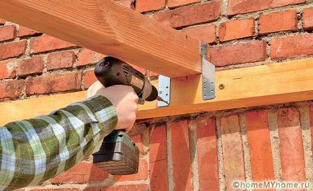 Сборка конструкции требует подготовки специальных инструментов