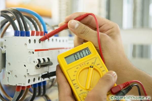 Для тестирования электропроводки применяется специальное оборудование - мультиметр