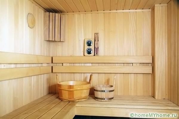 Вагонка считается оптимальным сырьем для обустройства помещения с высокой влажностью
