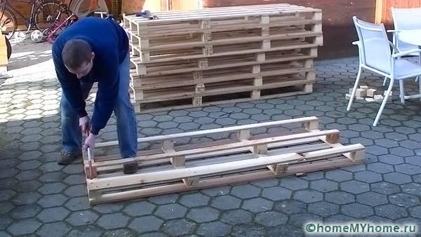 Строительные поддоны очень легко разбираются и собираются в нужную конструкцию