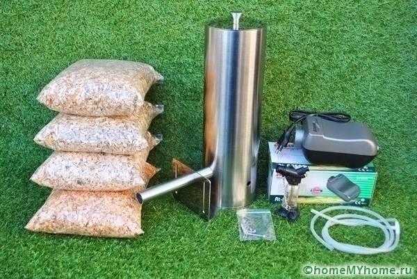 Топливо для коптильного аппарата можно приобрести в специальных упаковках или воспользоваться древесными отходами