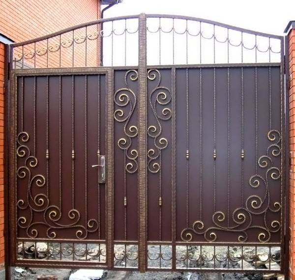 Сетчатые ворота – стильное и прочное решение