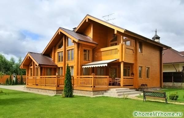 Загородный коттедж из высококачественной древесины