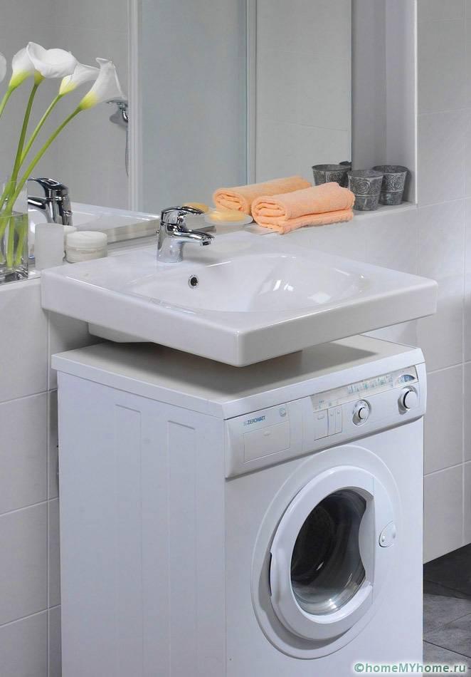 Мойка над стиральной машиной позволяет освободить полезную площадь