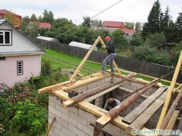 Изготовление элементов конструкции прямо на крыше с установкой