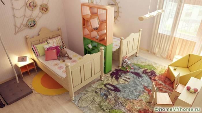 Детская для двоих требует особой планировки, здесь возможно использование перегородок, ширм или двухъярусных сооружений