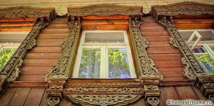 Самые интересные узоры можно посмотреть на оригинальных памятниках архитектуры, таких много в Суздале, Владимире или Ярославле