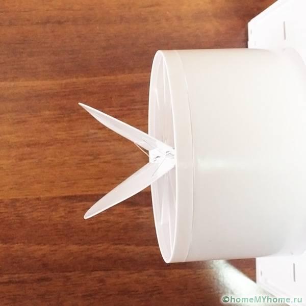 Внешний вид пластикового обратного клапана